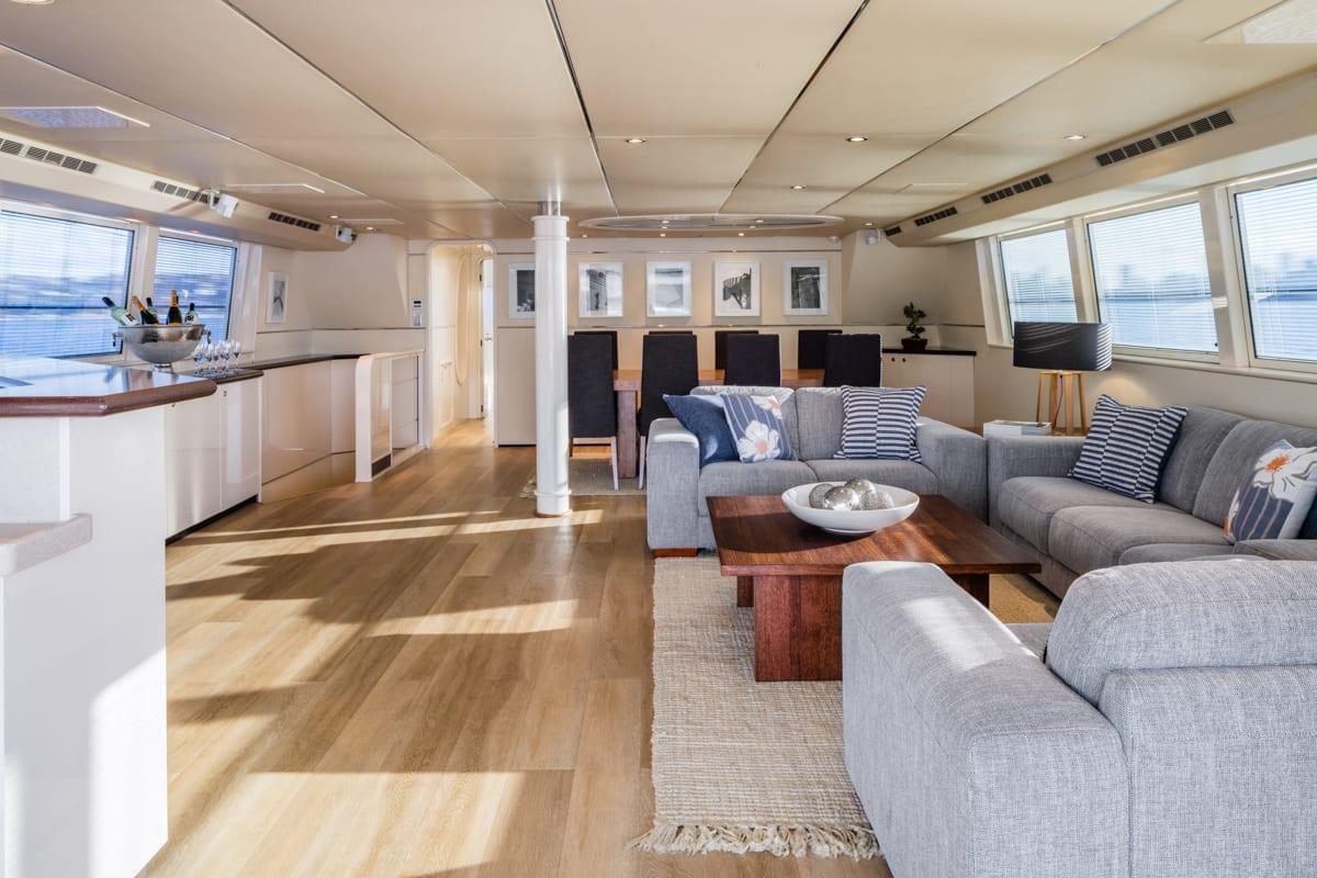 Sydney International Boat Hire Cruise