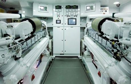 quantum engine room 460x295 - Superyacht Quantum | 120' Warren Superyacht